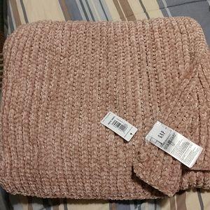 Gap chenille scarf